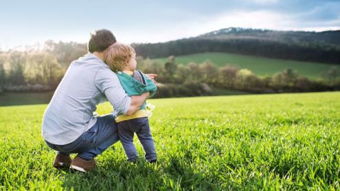 Verantwortung Vater mit Kind